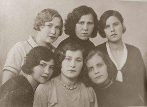 Первые актеры передвижного театра (КИППТ)